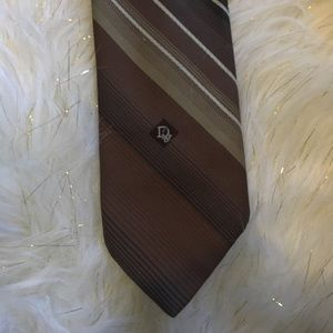 Christian Dior brown striped tie 😍